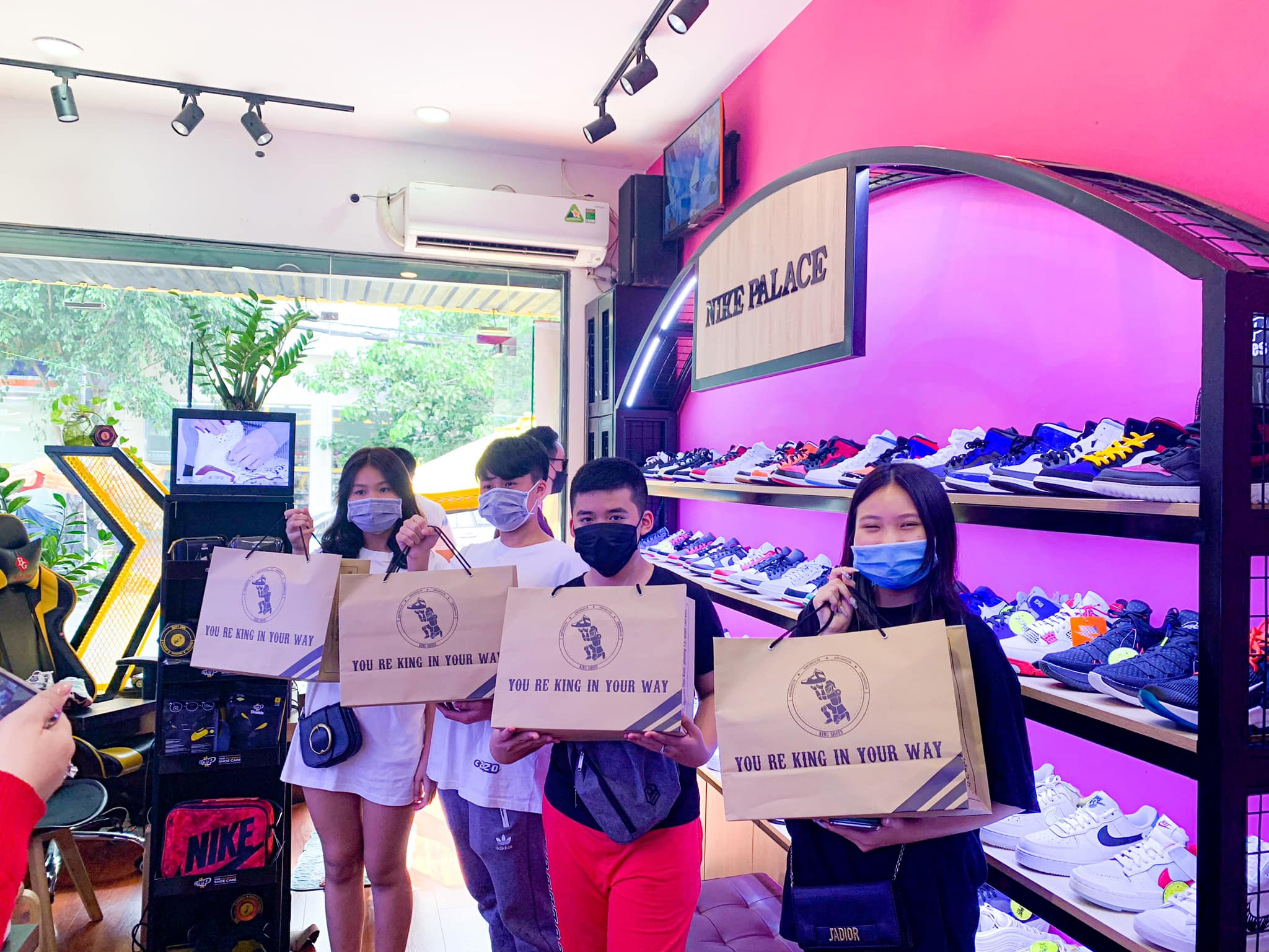 cửa hàng bán giày Jordan chính hãng tại TpHCM